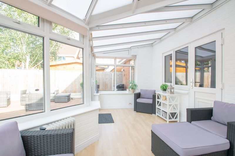 3 bed house for sale in Batchelor Close 8