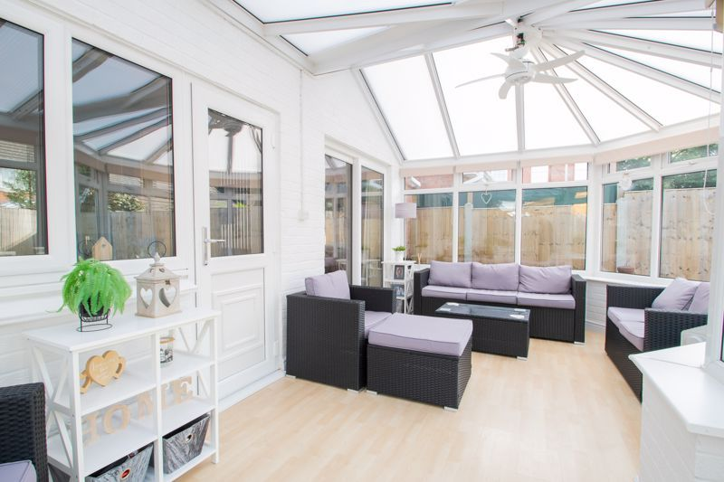 3 bed house for sale in Batchelor Close 9