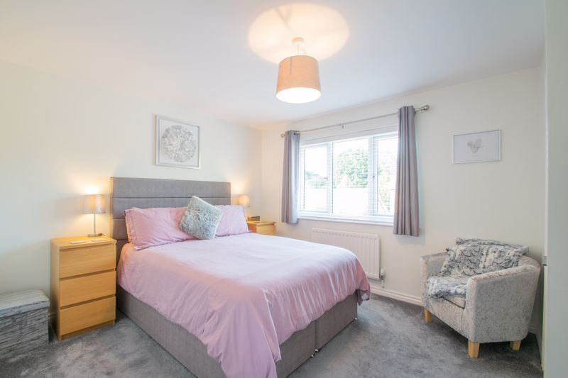 3 bed house for sale in Batchelor Close 10