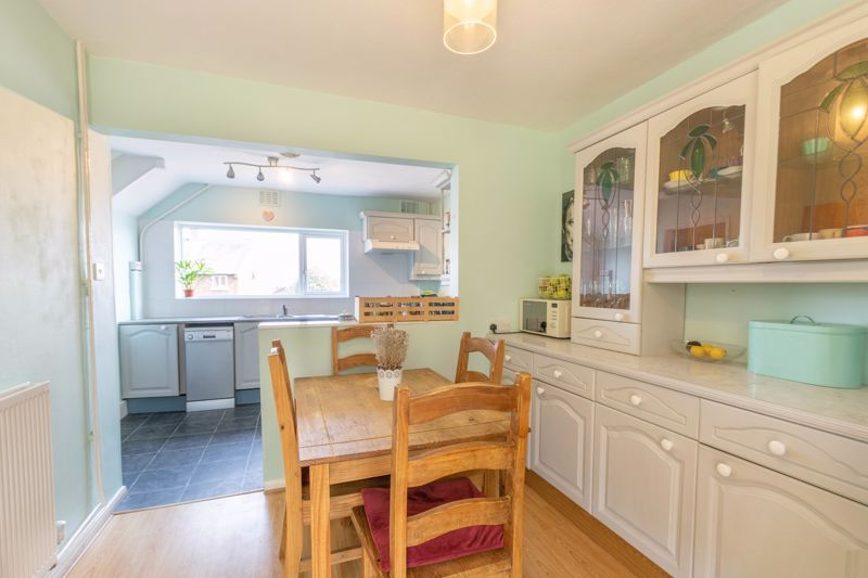 3 bed house for sale in Foxlydiate Crescent 5
