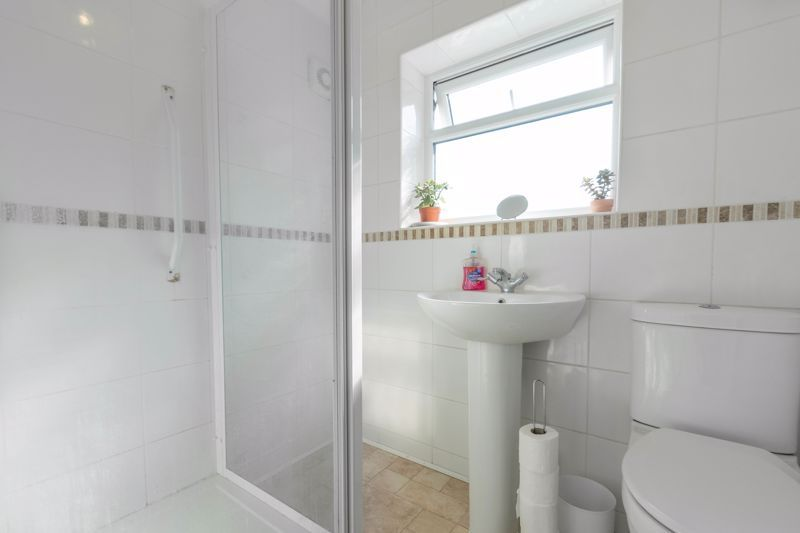 3 bed house for sale in Foxlydiate Crescent 10