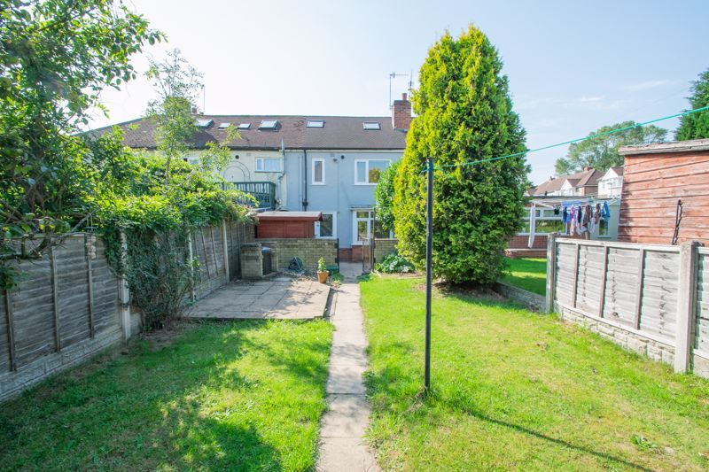 3 bed house for sale in West Road 13
