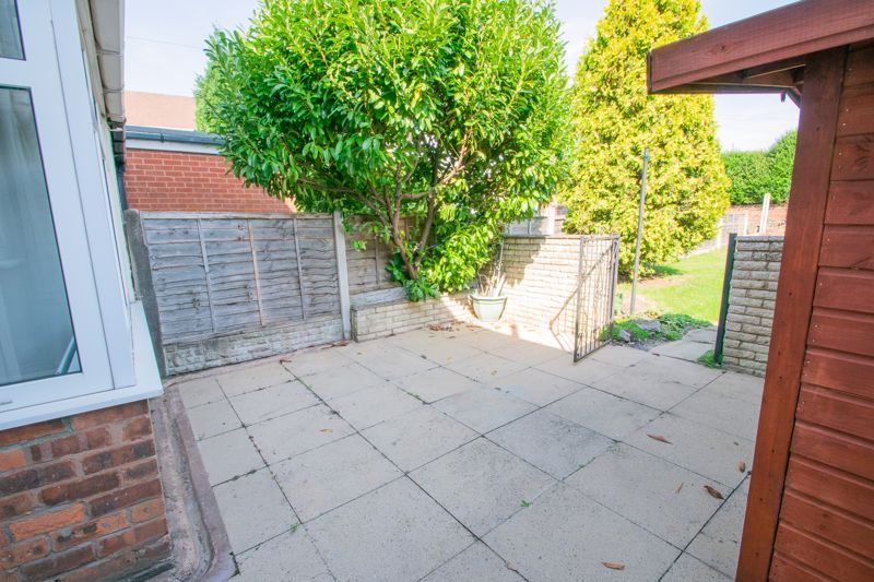 3 bed house for sale in West Road 14