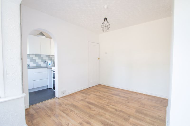 3 bed house for sale in West Road  - Property Image 4