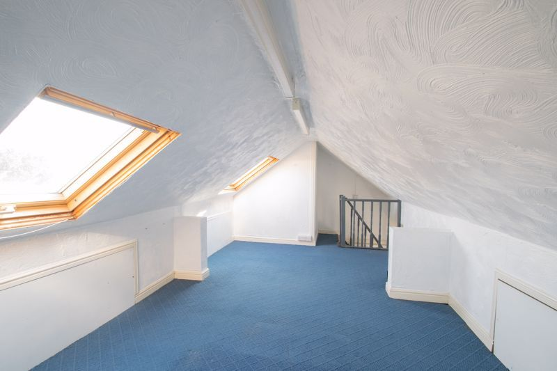 3 bed house for sale in West Road 10