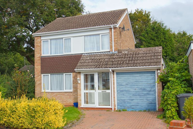 3 bed house for sale in Caynham Close 1