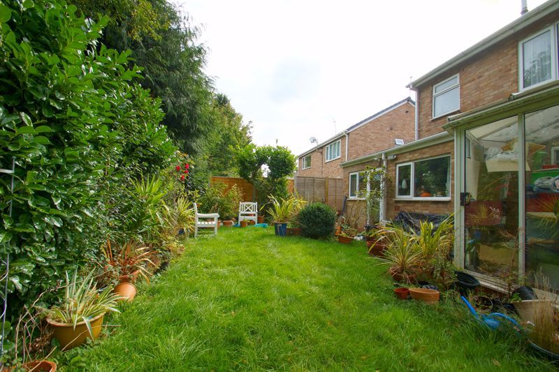 3 bed house for sale in Caynham Close 2