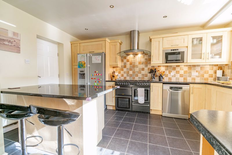 4 bed house for sale in Fordhouse Road 4