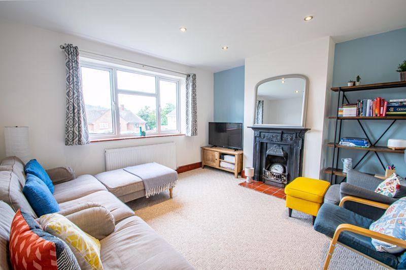 3 bed house for sale in Hill Top  - Property Image 2