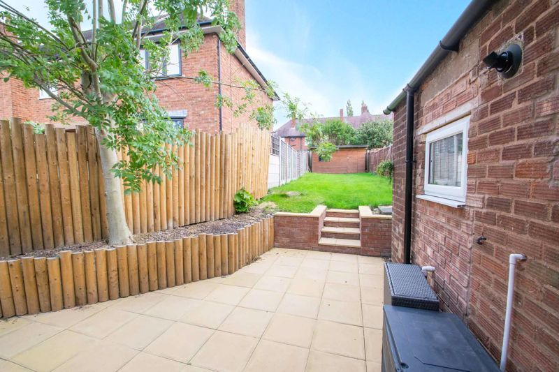3 bed house for sale in Hill Top 12