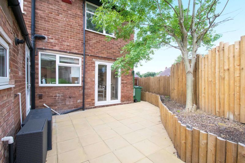 3 bed house for sale in Hill Top 18