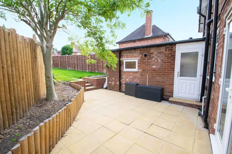 3 bed house for sale in Hill Top 19
