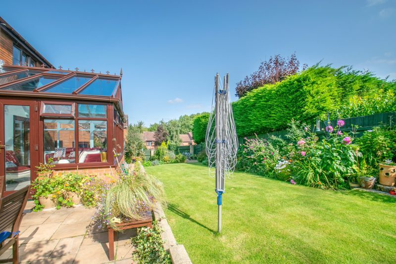 4 bed house for sale in Tanwood Close 12