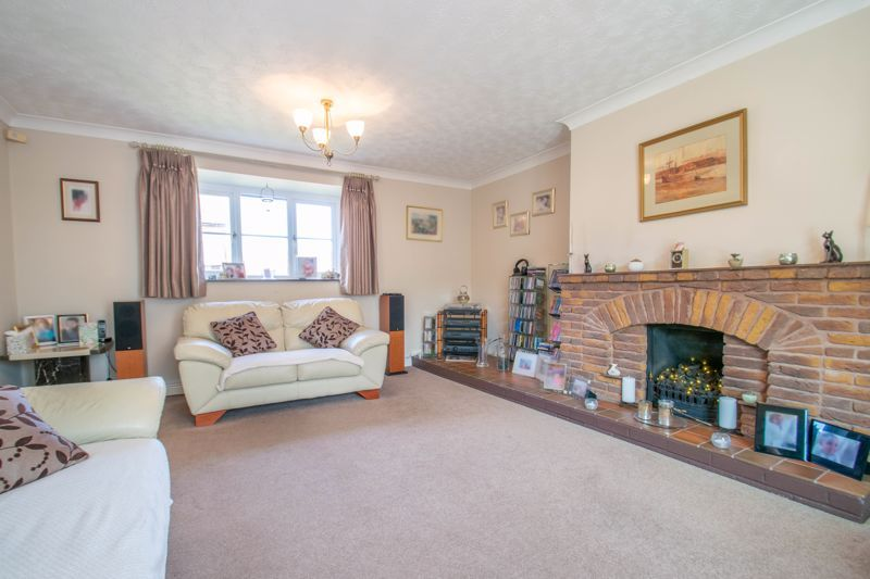 4 bed house for sale in Tanwood Close 4