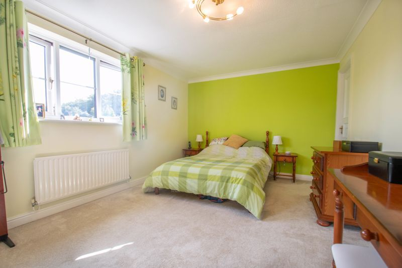 4 bed house for sale in Tanwood Close 8
