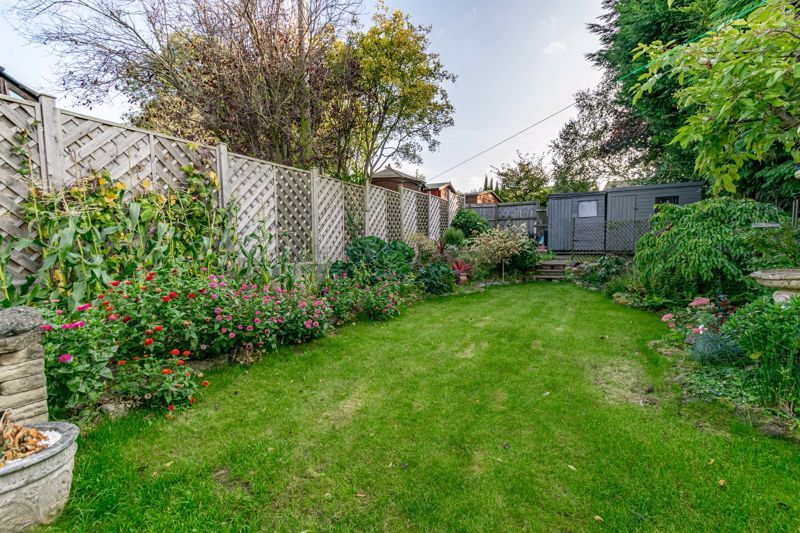 2 bed house for sale in Birmingham Road 16