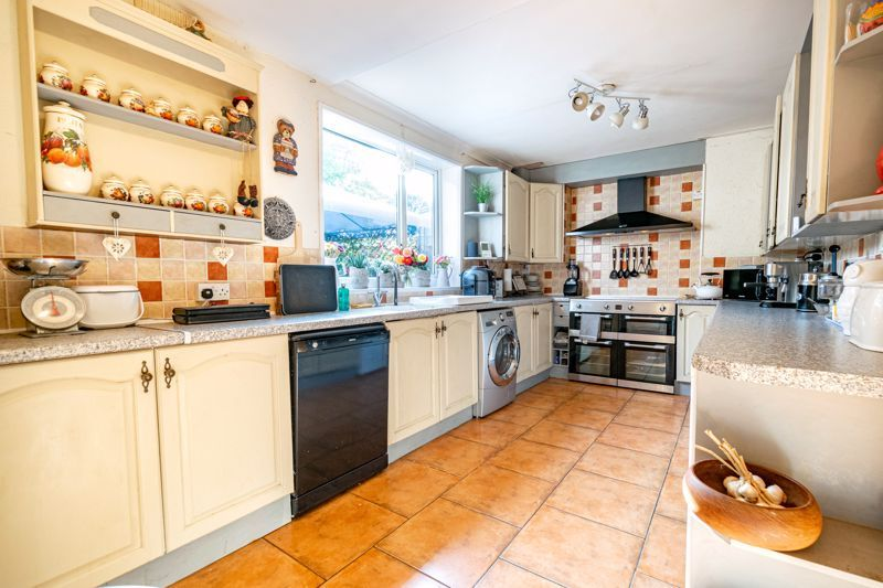 2 bed house for sale in Birmingham Road 4