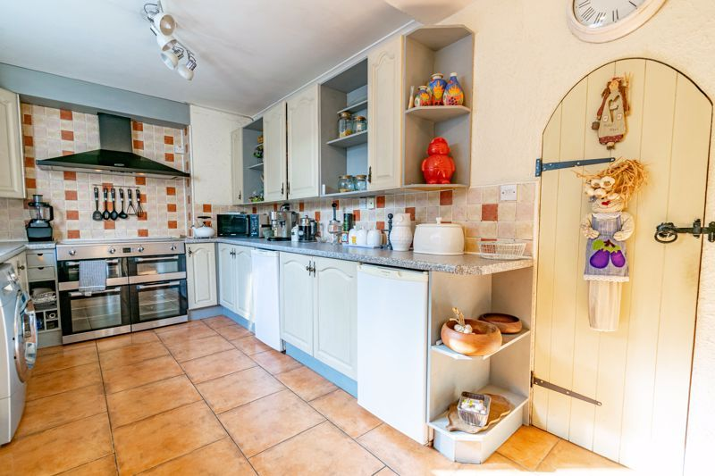 2 bed house for sale in Birmingham Road  - Property Image 5