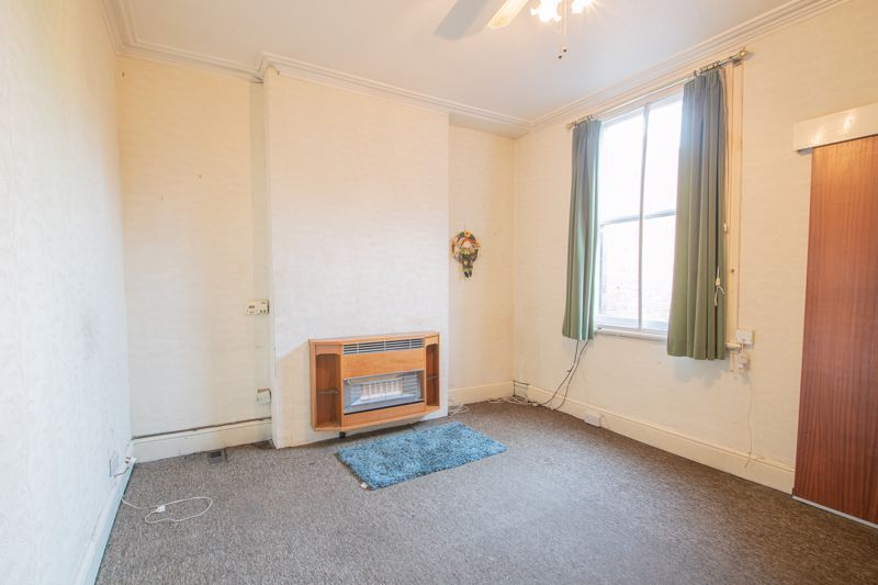 4 bed house for sale in Beale Street  - Property Image 3