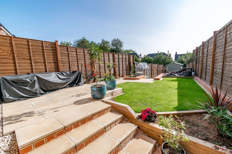 3 bed house for sale in Swallows Close  - Property Image 13