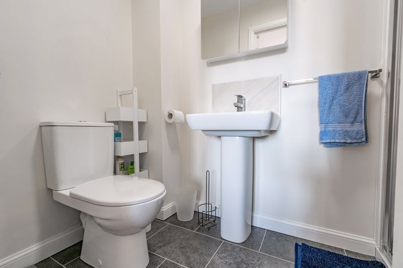 3 bed house for sale in Swallows Close 18