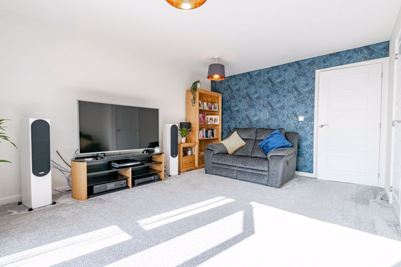 3 bed house for sale in Swallows Close  - Property Image 3