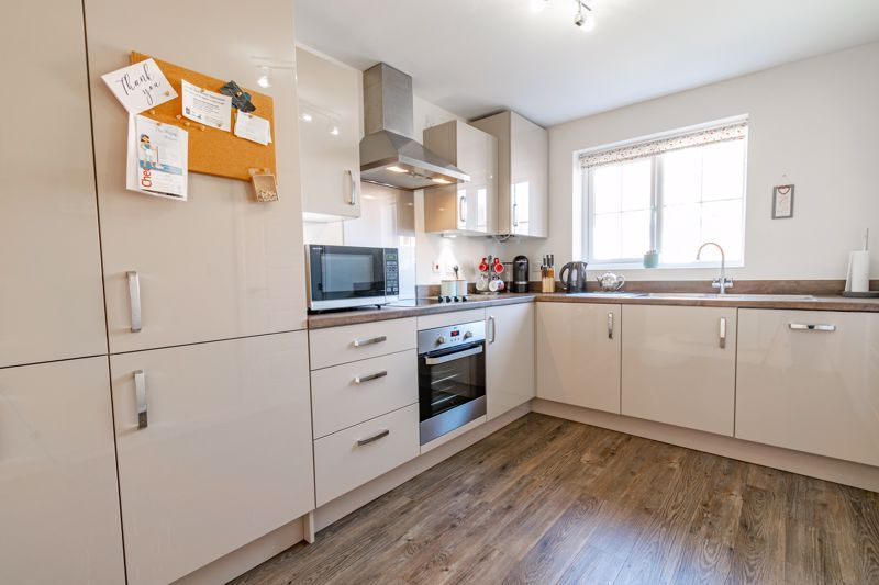 3 bed house for sale in Swallows Close 4