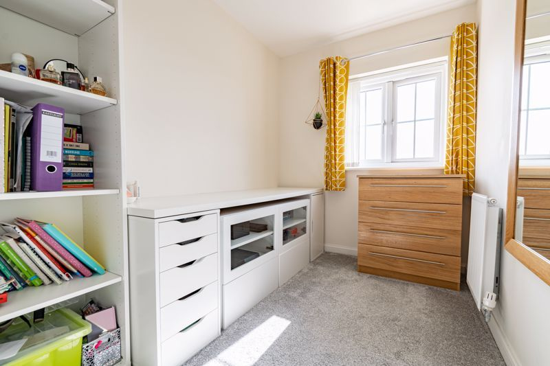 3 bed house for sale in Swallows Close 10