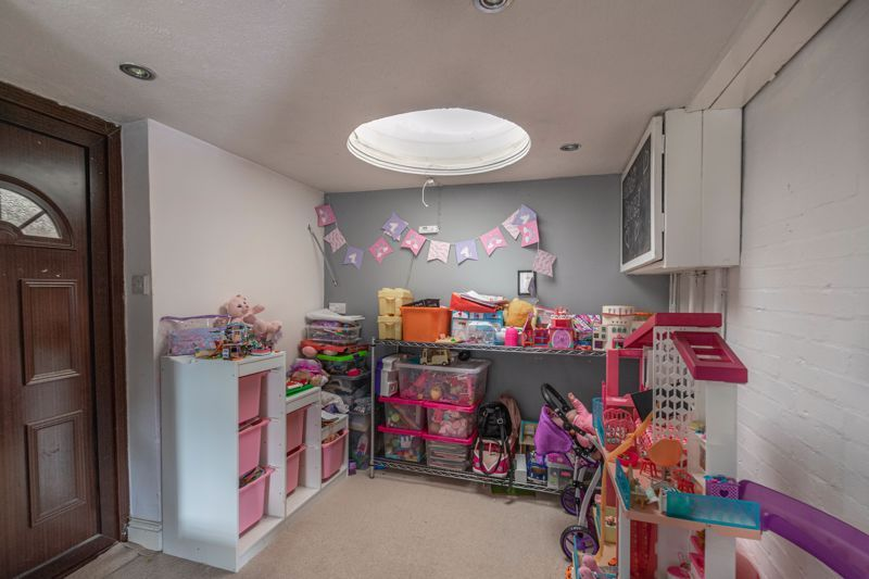 4 bed house for sale in Atcham Close 12