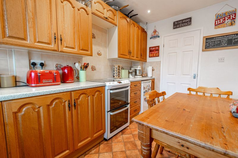 3 bed house for sale in Grampian Road 6