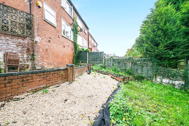 3 bed house for sale in Mayswood Grove 11