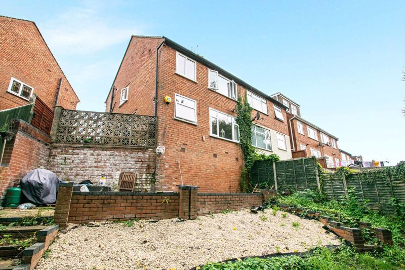 3 bed house for sale in Mayswood Grove 13