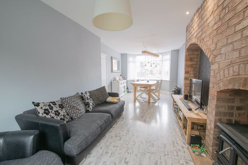 3 bed house for sale in Mayswood Grove 3