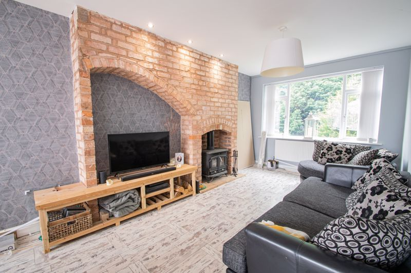 3 bed house for sale in Mayswood Grove 4