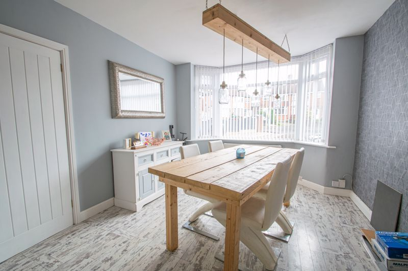 3 bed house for sale in Mayswood Grove 5