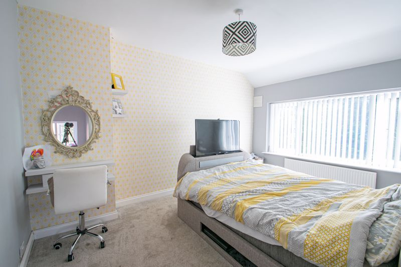 3 bed house for sale in Mayswood Grove 6