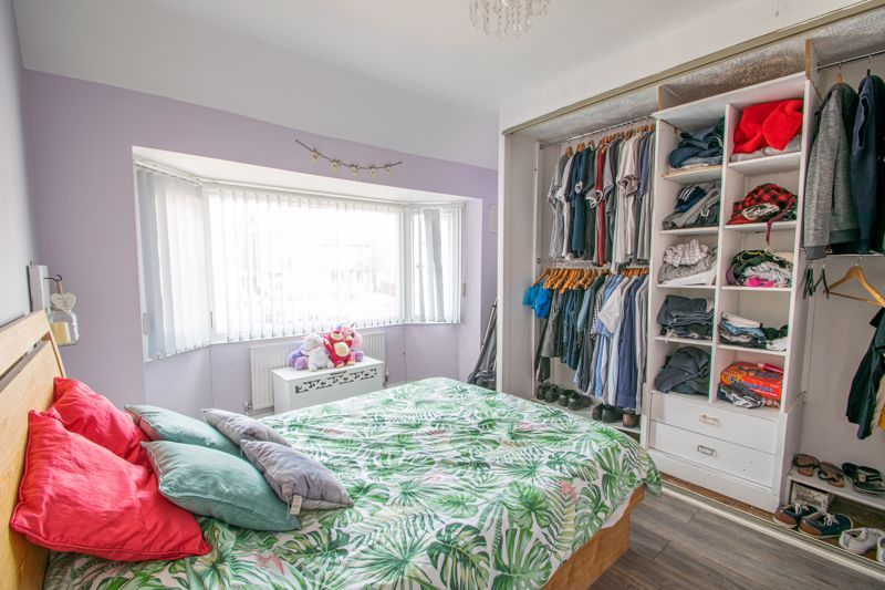 3 bed house for sale in Mayswood Grove 8