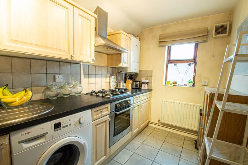2 bed flat for sale in Minworth Close  - Property Image 5