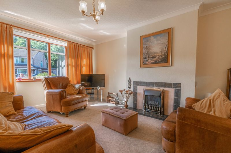3 bed house for sale in Vicarage Crescent 5