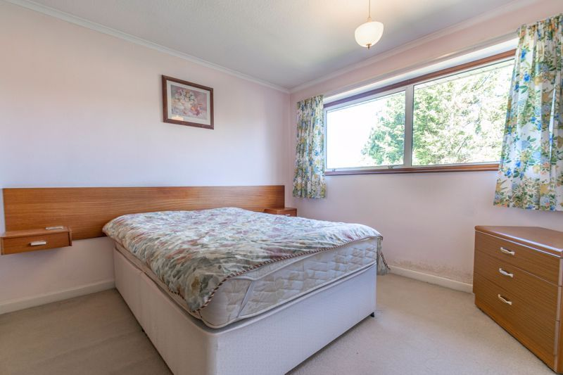 3 bed house for sale in Vicarage Crescent  - Property Image 7