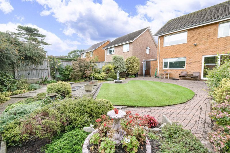 4 bed house for sale in Arundel Road 13