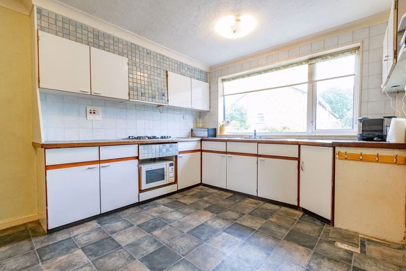 4 bed house for sale in Arundel Road 5