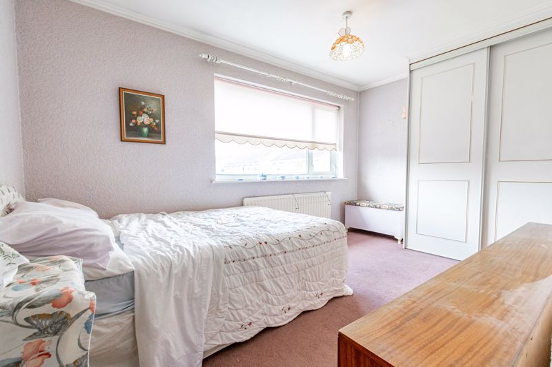 4 bed house for sale in Arundel Road 9