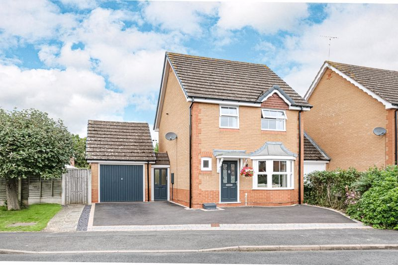 3 bed house for sale in McConnell Close 1