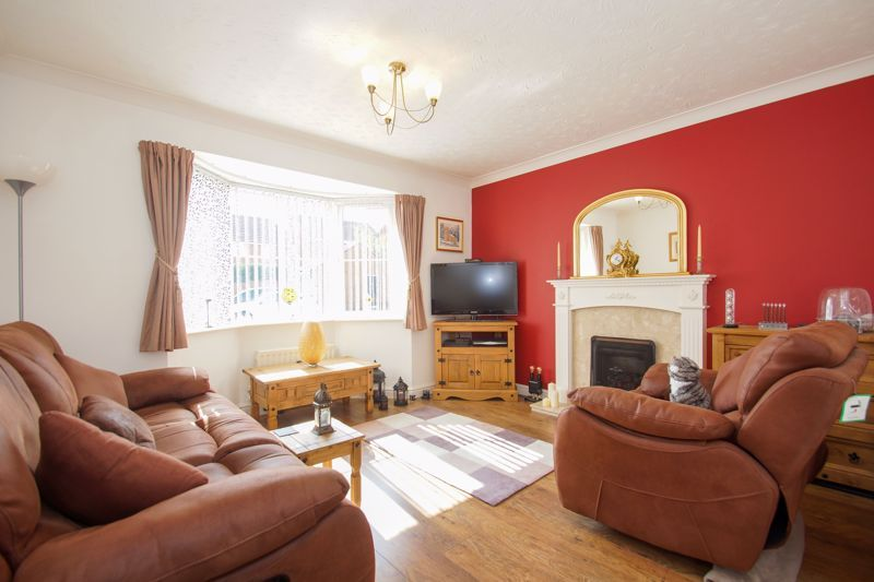 3 bed house for sale in Ticknall Close 2
