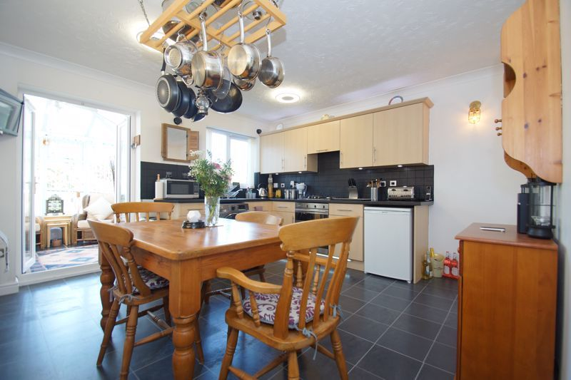 3 bed house for sale in Ticknall Close 5