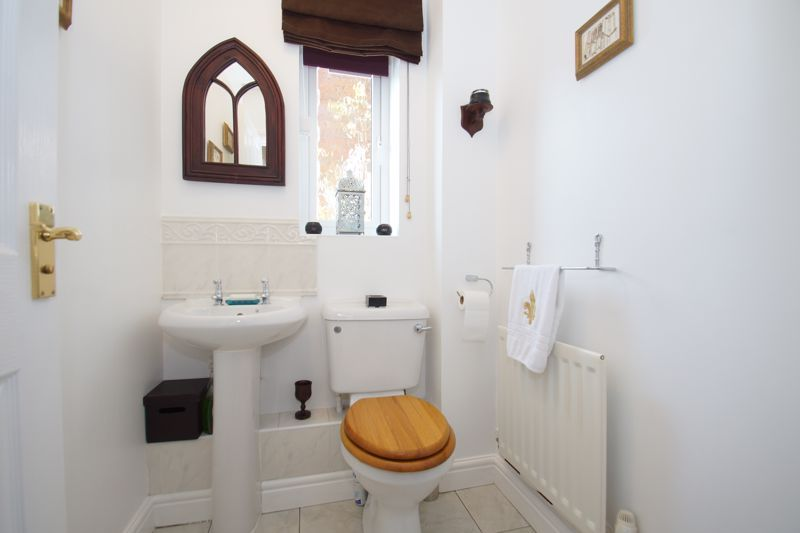 3 bed house for sale in Ticknall Close 7