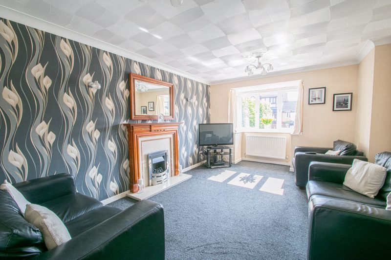 4 bed house for sale in Vestry Close  - Property Image 2