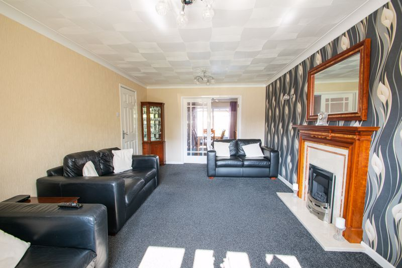4 bed house for sale in Vestry Close  - Property Image 3