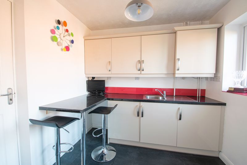 4 bed house for sale in Vestry Close 6